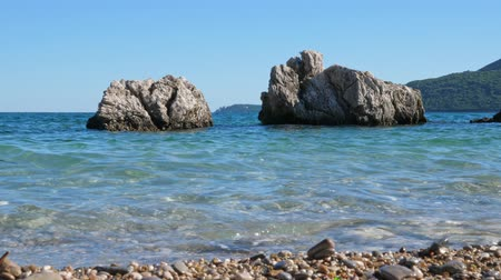 adriyatik : Sea surf and rocks