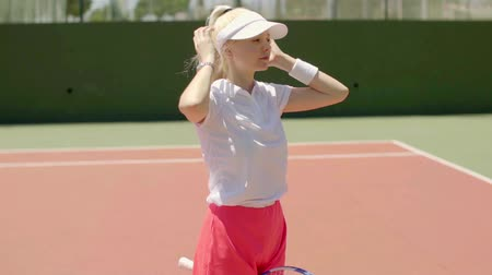 tennis player : Cute young blond woman tennis player