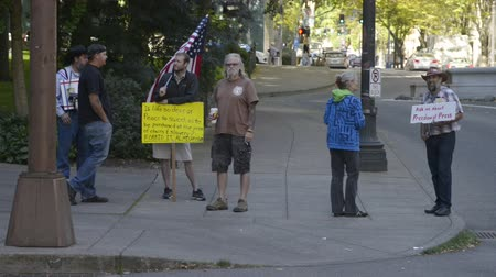 blm : PORTLAND, OREGON SEPTEMBER 13 2016, Group of protesters in support of the defendants in the trial of the armed occupation of the Malheur National Wildlife Refuge across the street from the courthouse.
