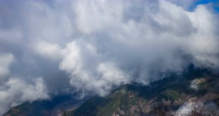 província : Timelaspe shot of Cloud waterfall in Western Sichuan,Sichuan,China