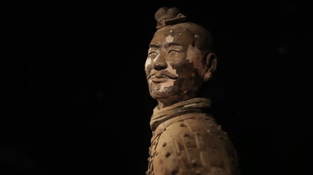 особенности : XIAN CHINA-May 30 2012: The famous terracotta warriors of Xian,