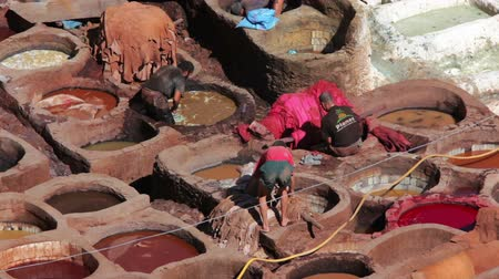 marrocos : Manufactories - tanneries for dyeing leather. Panorama of the Fes (Fez) - one of the ancient royal cities in Morocco. Vídeos