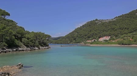 baraj : Entrance to the canal as beginning of the national park Mljet, Croatia. Stok Video