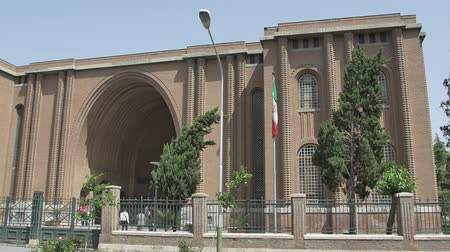 teheran : TEHRAN, IRAN - MAY 1, 2015: The National Archaeological Museum of Iran building designed by the French architect Andre Godard in the early 20th century. Stock Footage