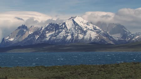 Патагония : Beautiful scenery of the Torres del Paine National park, Patagonia, Chile. Стоковые видеозаписи