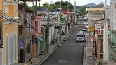 dominikana : PUERTO PLATA, DOMINICAN REPUBLIC - NOVEMBER 04, 2012: View to the street of the historical town of Puerto Plata, Dominican Republic.