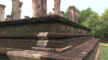 polonnaruwa : Ruins of the ancient building with columns in Polonnaruwa, Sri Lanka. Stock Footage