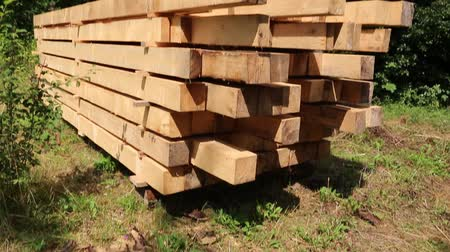 zpracování dřeva : Wooden squared timbers for the building of a wooden house