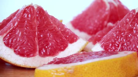 limon : Slices of fresh grapefruits