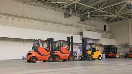 depositary : Storage room and forklift loaders Stock Footage