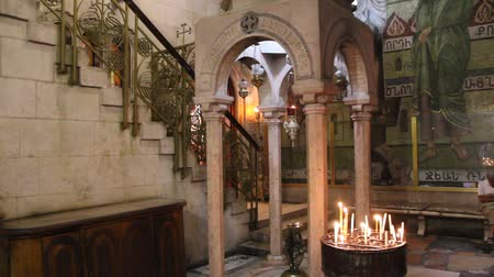 trumna : Inside Church of the Holy Sepulchre in Jerusalem, Israel