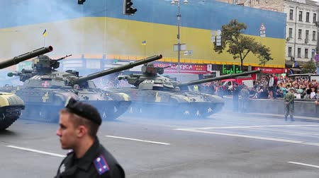 harcias : UKRAINE, KIEV, AUGUST 24, 2016: Ceremonial parade of military hardware at Kiev main street - Khreshchatyk, dedicated to the 25th anniversary of Ukraines independence. Military parade in Kiev, Ukraine Stock mozgókép