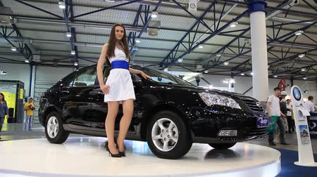 anual : KIEV, UKRAINE, MAY 26, 2011: Black Geely Emgrand at the yearly automotive-show SIA 2011. Vídeos