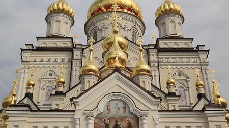 Cathedral of Transfiguration of Lord, 2013, Pochayiv Lavra, Ternopil Oblast, Ukraine. Largest orthodox church complex and monastery in western Ukraine and second in Ukraine, after Kiev-Pechersk Lavra Стоковые видеозаписи