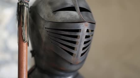 предъявитель : Knight armours with spear, steel helmet, face guard, visor Стоковые видеозаписи