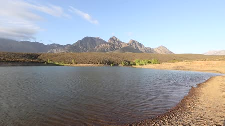 цвет бордо : TWide angle view over the mountains of the boland outside worcester in the western cape of south africa