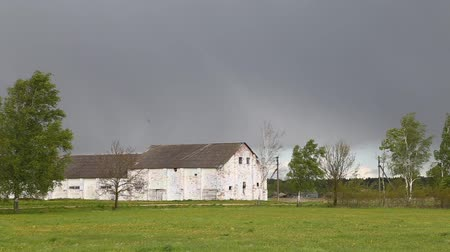 rachotit : Farm on a rainy day