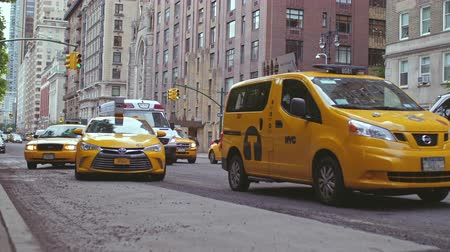 black cab : Yellow taxi in New York City