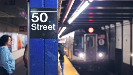 innen : Touristen in der New Yorker U-Bahn Videos