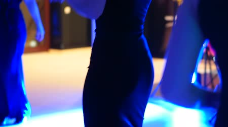 nem emberek : Unrecognizable girl dancing at a private party at the club. Slow motion and selective focus Stock mozgókép