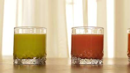 havuç : Assorti of various fresh juices. Vegetable and citrus juices.