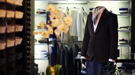 marca : Mens jacket on a mannequin. Interior of the store. Shopping. Mens clothing store.