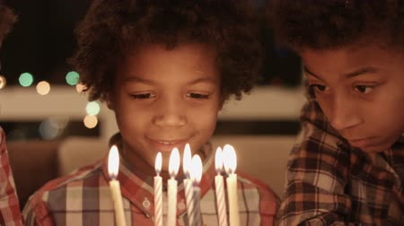 darkskinned : Afro kids small birthday party.