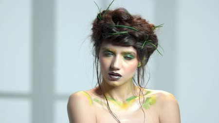 dokonalost : Attractive girl nature themed makeup. Young caucasian woman.