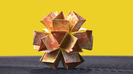 да : Modular patterned origami flower. Absolutely geometrical art. Handmade gifts ideas.