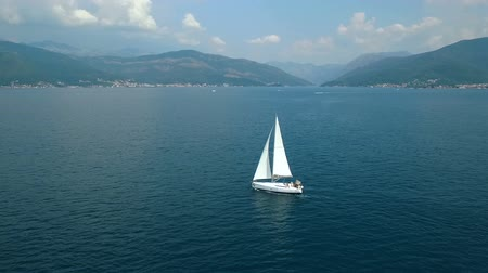 yat yarışı : Aerial view of a sailing yacht in the Adriatic sea