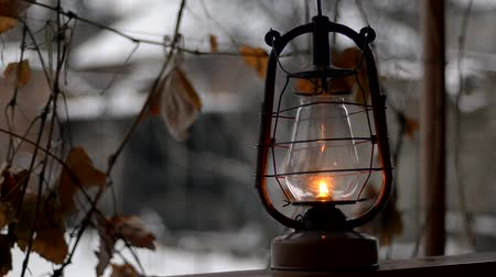 lampa naftowa : put old kerosene lamp, outdoor