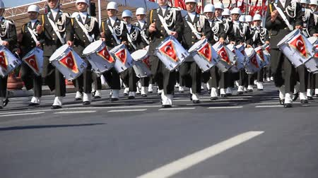 desfile : military snare drum band passed ceremony