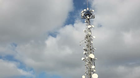 telekomünikasyon : Communications Tower With Clouds Time Lapse
