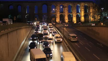 turecko : city traffic at istanbul