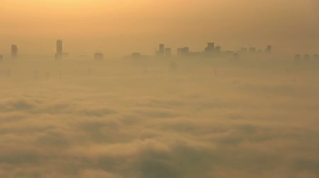 эмираты : time lapse sunrise aerial view skyscraper foggy weather Dubai Marina at United Arab Emirates UAE