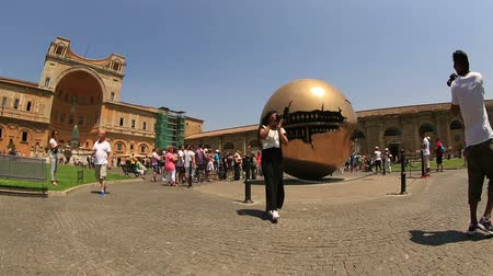 vatikan : Sphere within Sphere at Vatican Museum