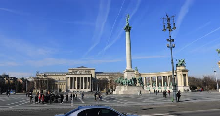 heroes square : BUDAPEST, HUNGARY - JANUARY 17, 2019: A view of Heroes Square