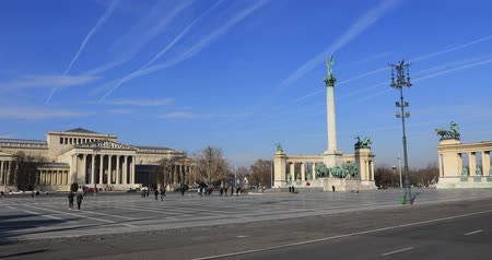 heroes square : A view of the Heroes Square at Budapest