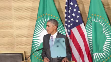 Addis Ababa - July 28: President Obama talks about his African heritage during his speech at the African Union Conference Center, on July 28, 2015, at the in Addis Ababa, Ethiopia. Стоковые видеозаписи