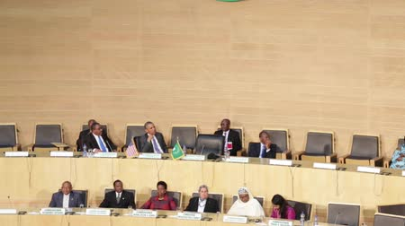 asal : Addis Ababa - July 28: President Obama claps as Dr. Dlamini Zuma, chairperson of the African Union Commission, states that 2015 is the year for women in Africa, on July 28, 2015, at the in Addis Ababa, Ethiopia.