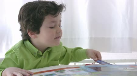 preschool : Child reading a book