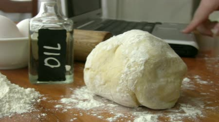 hamur : Making Dough Stok Video