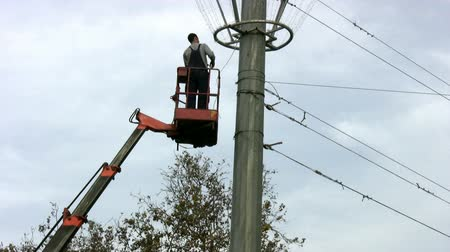 elektryk : Powerline Workers Wideo