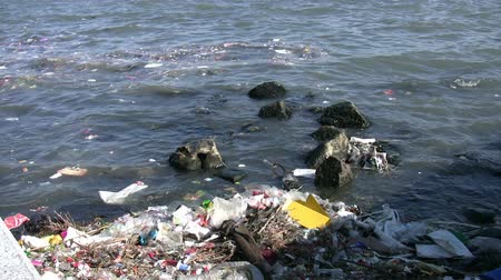 plastics : Water Pollution Full HD 1080p