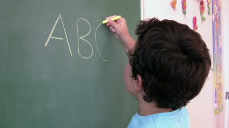 abeceda : Preschool Student learning  alphabet