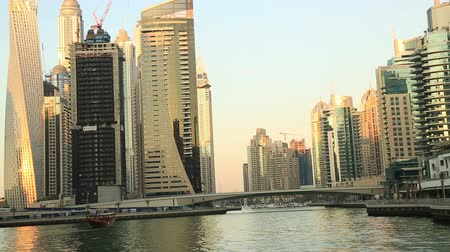 эмираты : Dubai Marina Life at sunset Стоковые видеозаписи