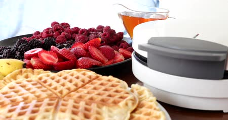blackberry : Making Homemade Delicious Waffles In An Electric Waffle Maker