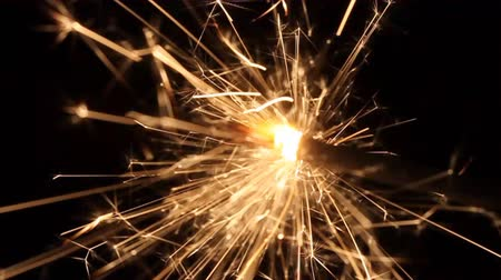 imagem : This is a closeup shot of sparkler in the dark, like nice background