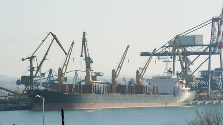 коммерческий : Commercial port cranes. Cranes in