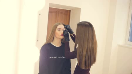 make photo : Models make up before the photo session